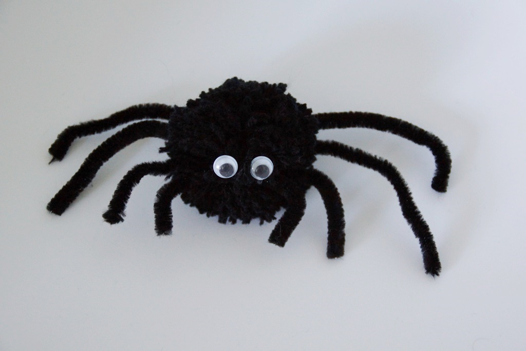 Ninoo araign es d halloween - Faire une araignee pour halloween ...